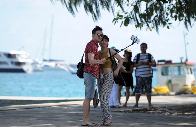 Aux Maldives, comme dans les Etats insulaires, le tourisme de masse génère de 30% à 80% des émissions nationales de CO2.