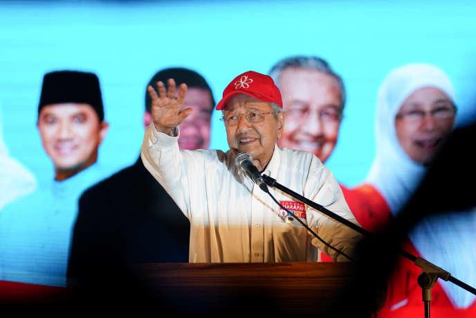 Mahathir Mohamad, ancien premier ministre et candidat de L'Alliance de l'espoir aux législatives, à Kuala Lumpur, le 6 mai.