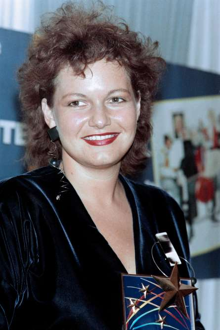 A la Grande Halle de LaVillette à Paris, après avoir reçu un prix au Salon de la Musique, le 16 septembre 1987.