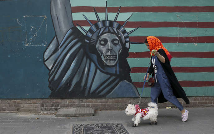Dans une rue de Téhéran, mardi 8 mai.
