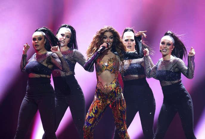 Eleni Foureira chante «Fuego» pour Chypre, lors de la demi-finale du concours Eurovision de la chanson 2018, à Lisbonne, le 8mai.