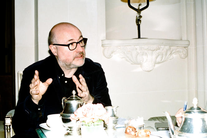 Emmanuel Druon, à la Galerie du Plaza Athénée, à Paris, le 22 mars.
