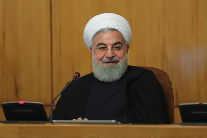 Le président iranien, Hassan Rohani, lors d'une réunion de son cabinet, à Téhéran, le 9 mai. Photo communiquée par la présidence iranienne.