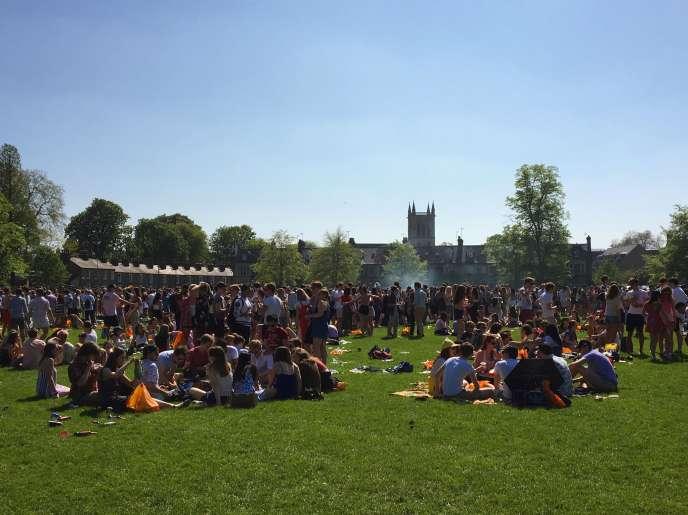 Le parc de Jesus Green au nord de la ville de Cambridge lors du Caesarian Sunday, ce dimanche 6 mai.