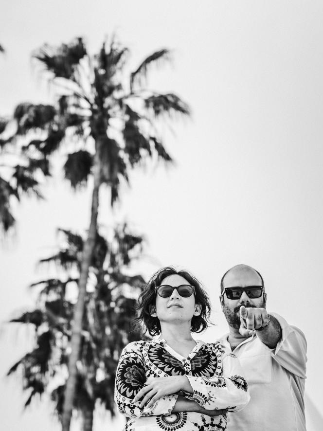 Les cinéastes Cristina Gallego et Ciro Guerra au pavillon Les cinémas du monde du Village international (côté plage du Majestic), à Cannes, le 8 mai 2018.
