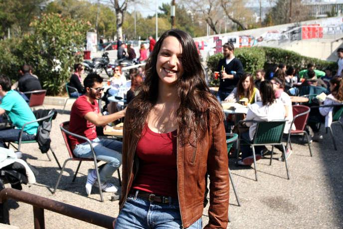 Maguelone Bastide, étudiante en archéologie à l'université de Nanterre, lors de son séjour en Erasmus à l'université Aristote de Thessalonique (Grèce) en 2012.
