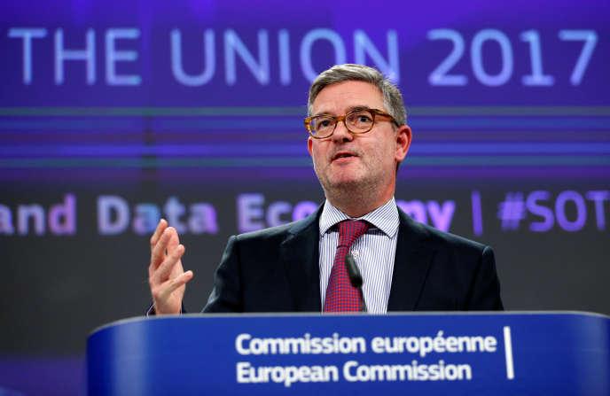 Le commissaire européen à la sécurité Julian King, à Bruxelles, en septembre 2017.