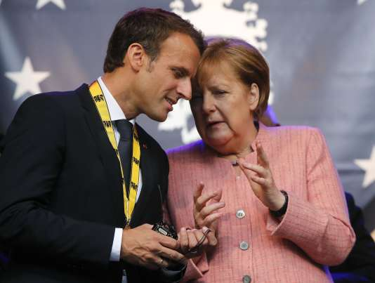 Emmanuel Macron et Angela Merkel, à Aix-la-Chapelle, le 10 mai.