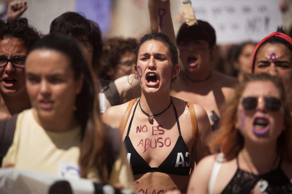 Deux organisations de gauche anticapitaliste avaient appelé à faire grève jeudi dans les lycées et universités et à manifester dans une quarantaine de villes, comme ici à Malaga.