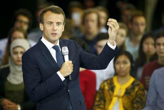 Emmanuel Macron lors de son discours à Aix-la-Chapelle, en Allemagne, le 10 mai.