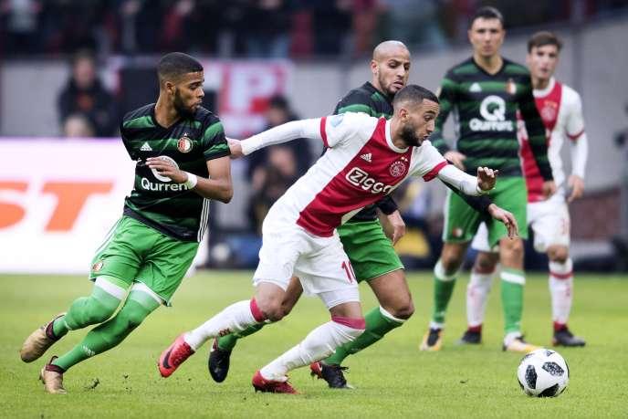 Hakim Ziyech sous le maillot de l'Ajax Amsterdam lors d'un match de championnat des Pays-Bascontre le Feyenoord Rotterdam, le 21janvier2018.