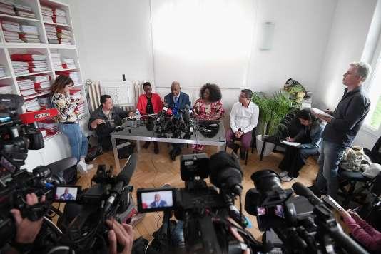 Des proches de Naomi Musenga, le 10 mai 2018.