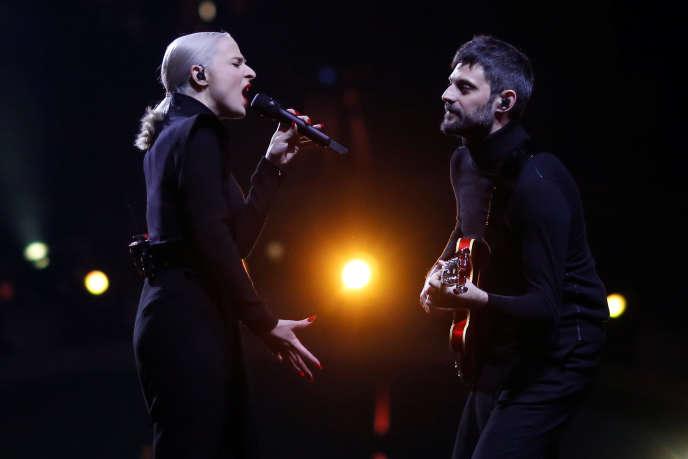 Le duo «Madame Monsieur» en répétition pour l'Eurovision, à Lisbonne, le 6 mai.