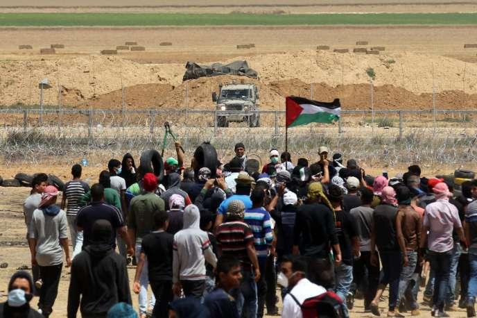 Des Palestiniens manifestent à Khan Younès, dans le sud de la bande de Gaza, vendredi 11 mai.