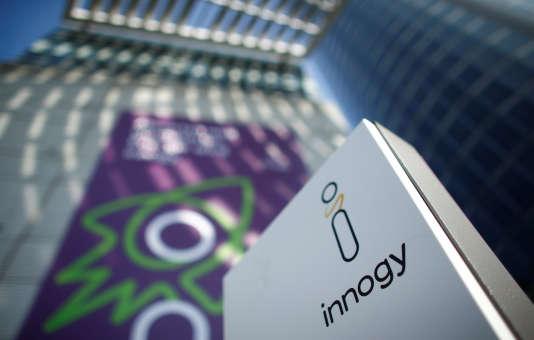Logo d'Innogy à Esse, en Allemagne, le 14 mars 2017. L'acquisition de l'allemand Innogy par son compatriote E.ON témoigne de la poursuite des grandes manœuvres chez les énergéticiens.