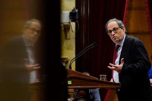 Quim Torra, député de la liste Ensemble pour la Catalogne (JxC), à la tribune du parlement catalan à Barcelone, le 1er mars.