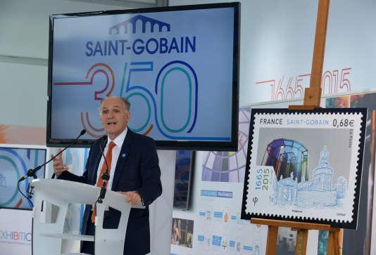 Le patron de Saint-Gobain, Pierre-André de Chalendar, lors d'une conférence de presse donnée à l'occasion du 350e anniversaire du groupe, à Paris, en octobre 2015.