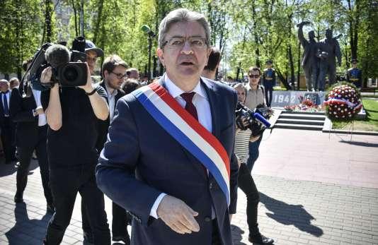 Jean-Luc Mélenchon lors de la cérémonie en hommage à la mémoire de l'escadrilleNormandie-Niemen, à Moscou, le 8 mai.
