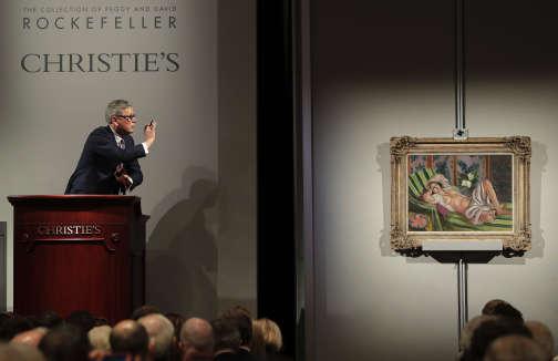 Record battu aussi pour la toile d'Henri Matisse «Odalisque couchée aux magnolias»,partie pour 37,6millions d'euros.
