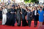 Cate Blanchett et les autres membres féminins du jury ont participé à une montée inédite des marches, samedi 12 mai, au Festival de Cannes.