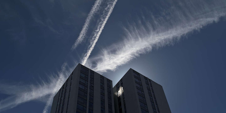 Les traînées blanches des avions contribuent auréchauffement climatique