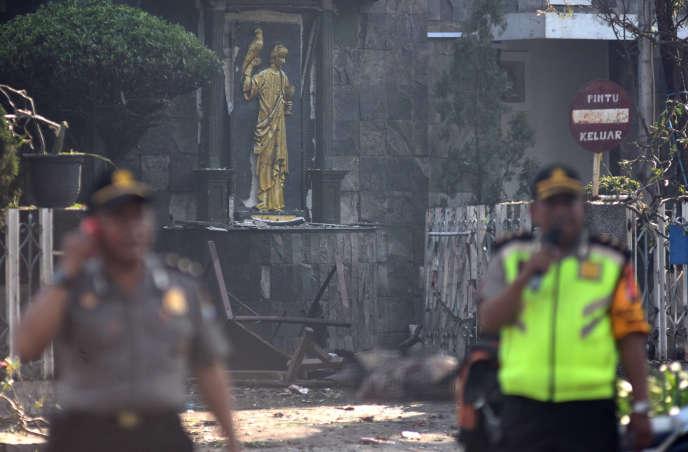 L'église catholique Santa Maria visée par une attaque à Surabaya, deuxième ville d'Indonésie, le 13 mai.