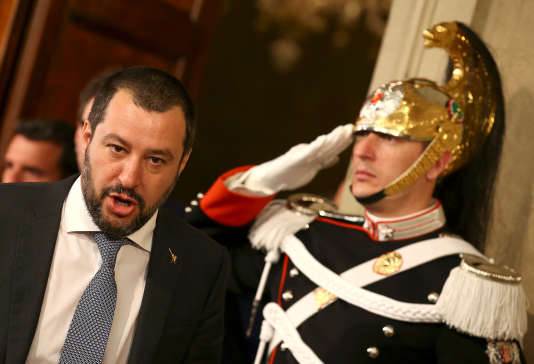 Matteo Salvini, leader de la Ligue, à la sortie d'un meeting avec le président italienSergio Mattarella, 5 avril 2018.