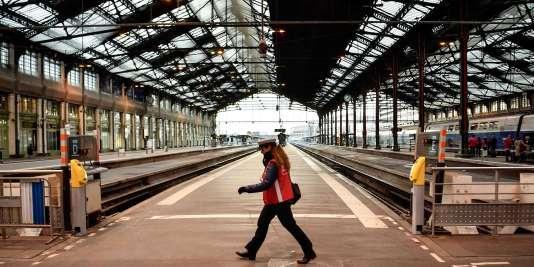 La grève à la SNCF contre le projet de réforme ferroviaire du gouvernement a débuté le 3 avril.