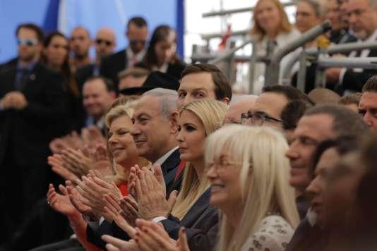 Le premier ministre israélien, Benyamin Nétanyahou, Jared Kushner et Ivanka Trump à l'ambassade des Etats-Unis à Jérusalem, le 14 mai 2018.