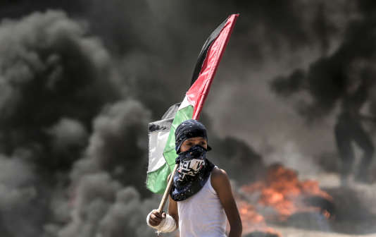 Un enfant palestinien manifestant à Gaza, lundi 14 mai.