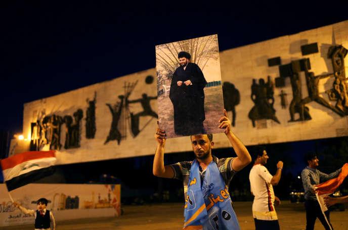 Un partisan de Moqtada Al-Sadr, à Bagdad, le 14 mai.