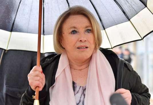 La maire d'Aix-en-Provence, Maryse Joissains-Masini, à son arrivée au tribunal de Montpellier, le 14 mai.