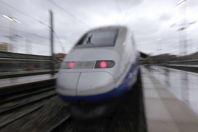 Un TGV arrive à la gare Saint-Charles de Marseille, le 14 mai 2018.