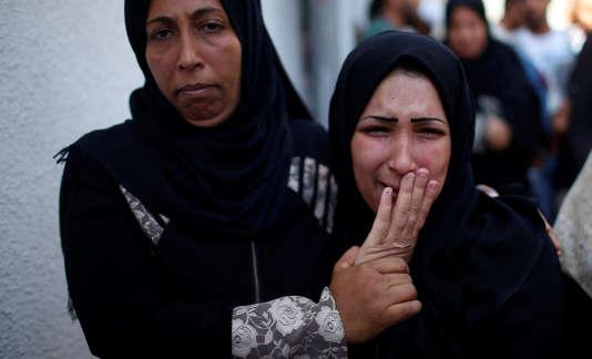 Le ministère gazaoui de la santé a fait état mardi de la mort d'un bébé qui avait inhalé des gaz lacrymogènes lors des heurts.