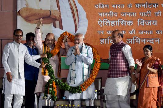 Narendra Modi fête les bons résultats du BJP dans l'Etat duKarnataka à New Delhi, le 15 mai.