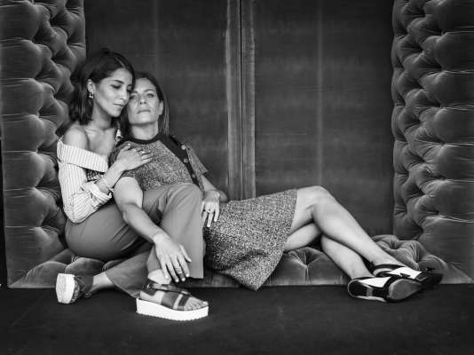 Leïla Bekhti et Marina Foïssur la terrasse de l'hôtel Marriott à Cannes, le 14 mai 2018.
