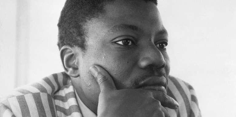 L'écrivain malien Yambo Ouologuem, lauréat du prix Renaudot 1968 pour son livre «Le Devoir de violence», à Copenhague, en août 1971.