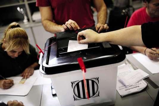 Lors du vote pour l'indépendance de la Catalogne le 1er octobre 2017, à Saint Julià, près de Girone.