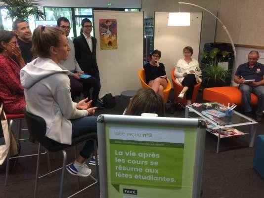 A l'université d'Angers, le 15 mai, les parents étaient invités à venir découvrir, sans leur progéniture, le fonctionnement de la faculté.