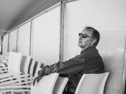Philippe Faucon sur la plage de la Quinzaine, à Cannes, le 15 mai 2018.
