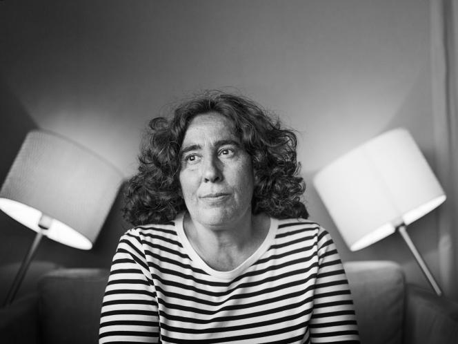 La réalisatrice Arantxa Echevarria (« Carmen y Lola») sur l'une des terrasses du Palais des festivals, le 15 mai 2018.