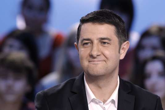 Laurent Guimier sur le plateau de l'émission « Le Grand Journal » en avril 2012.