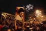 Des partisans de Moqtada Al-Sadr, lundi 14 mai, place Tahrir, à Bagdad.