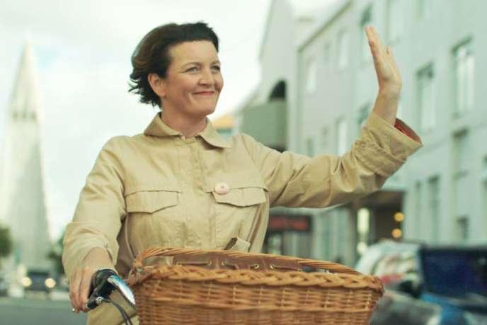 Halldora Geirharosdottir dans « Woman at War », de Benedikt Erlingsson.