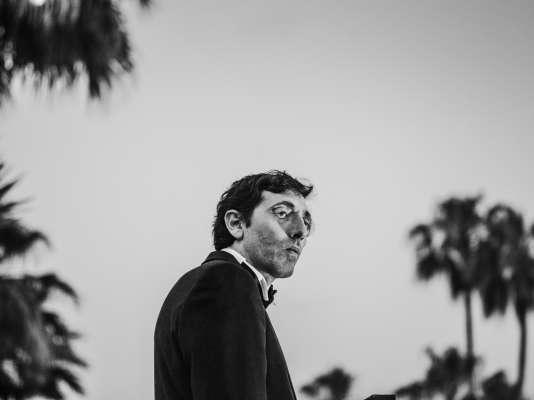 Marcello Fonte sur une terrasse de l'hôtel Barrière Majestic à Cannes, le 16 mai 2018.