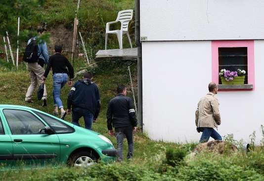Perquisitionau domicile deMurielle Bolle, à Granges-sur-Vologne (Vosges), le 28 juin 2017.