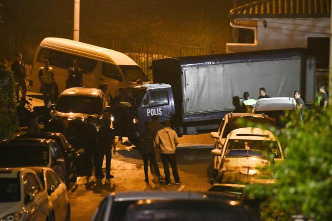 Perquisition au domicile de l'ex-premier ministreNajib Razak, dans la nuit du 16 au 17 mai.
