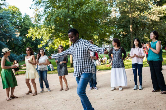 Concert des Soudan Célestins Music, dans le parc des Bourrins, à Vichy, pour la soirée du 14 juillet 2017.