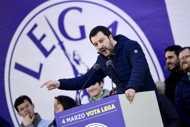 Le chef du parti d'extrême droite la Ligue du Nord Matteo Salvini durant la campagne pour les législatives en février à Milan.