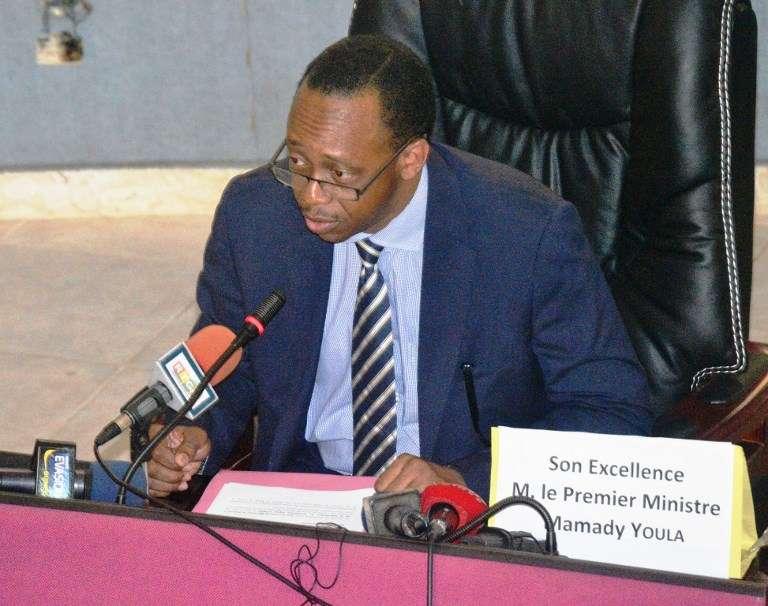 Le premier ministre Mamady Youla au moment de sa prise de fonction le 29 décembre 2015, à Conakry.